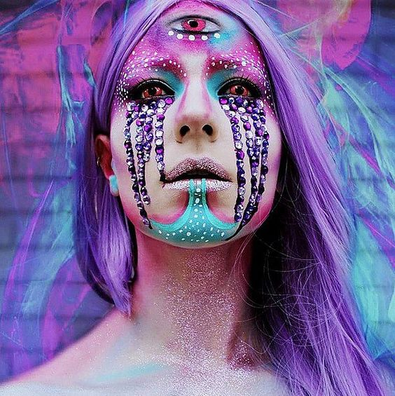 Username: @stephanie_fernandez Number of followers: 48.5K Known for: Psychedelic, spectacular looks that will mesmerise or terrify you. Her impressive talent is all self-taught.