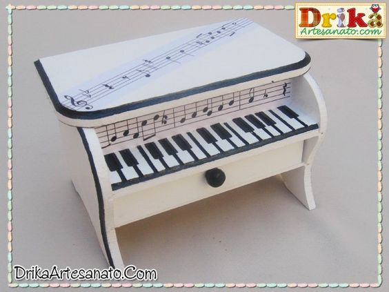 Caixa decorada piano 3