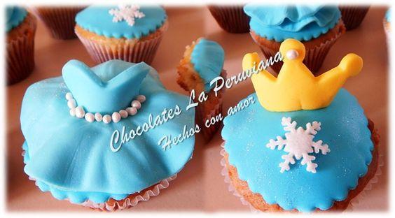 Preciosos cupcakes motivo de la Película Frozen, Vestido y Corona