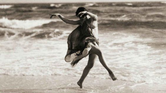 A History of Style: Fashion Inspired by Isadora Duncan - College Fashion