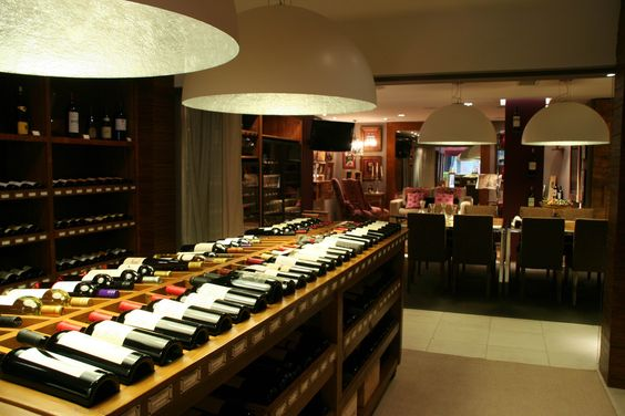 Grand Cru Buenos Aires, tienda de vinos y sala de degustación. Rodríguez Peña 1886, Recoleta.