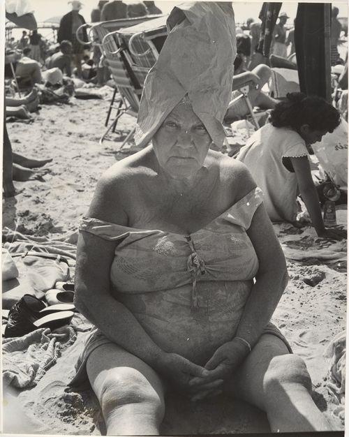 Coney Island. 1950's. Leon Levinstein.