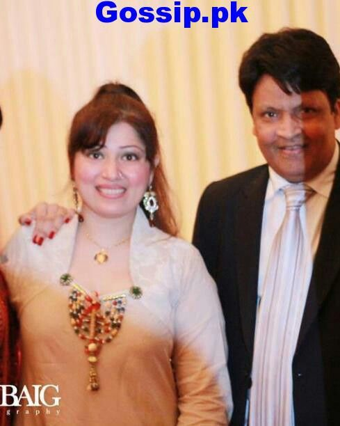 Umer Sharif With Wife Stars Family And Childhood