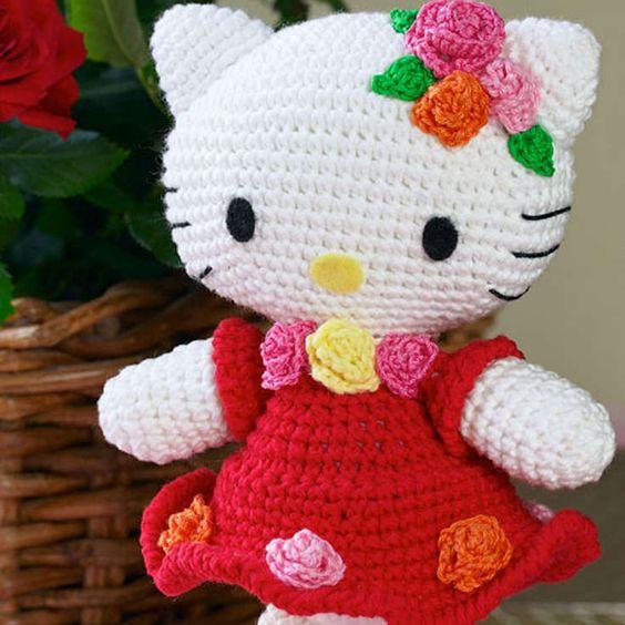 Hello Kitty Kimono Amigurumi Patron : http://wixxl.com/free-hello-kitty-amigurumi-pattern/ Free ...