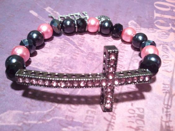 Pink and Black Faith #BeadedBracelet by RandRsWristCandy on Etsy, $8.00 #crossbracelet