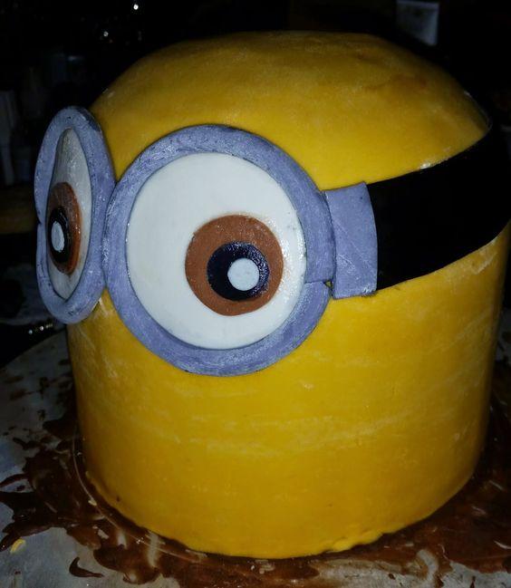 Sandy's Kitchendreams: Minion Kuchen