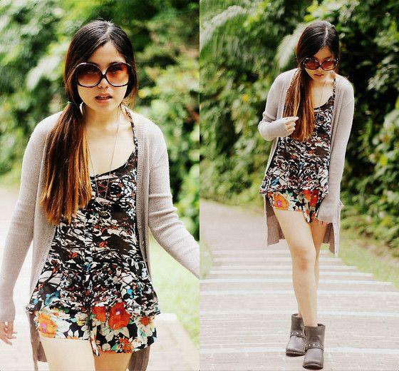 WALKING (by And Kara Tan) http://loobook.nu/look/4239525-WALKING