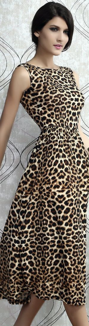 Leopard Print Maxi Dress... Gasp!!! what an amazing way to rock animal print
