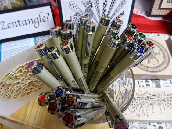 Bella Carta at Art 'n Soul - My number one pen I use for Zentangle Art. Always with Love Uniquely Robin Ann