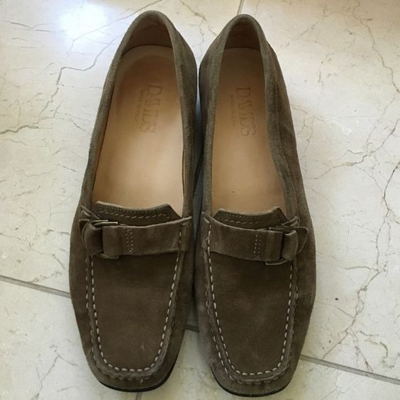 MAKE AN OFFER!! David's Suede Loafers Ultra comfortable suede loafers from David's shoes. Made in Italy, hardly worn, in very good condition! David's Shoes Shoes Flats & Loafers