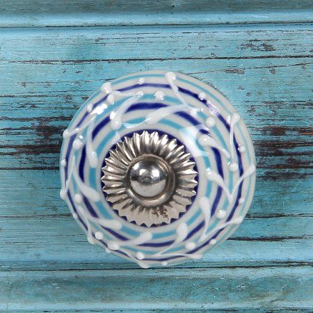 Intradeglobals Luxe Collection Floral Ceramic Knob Beautiful Design and Hand-Painted Elegance Set of 2 pcs White Decorative knob