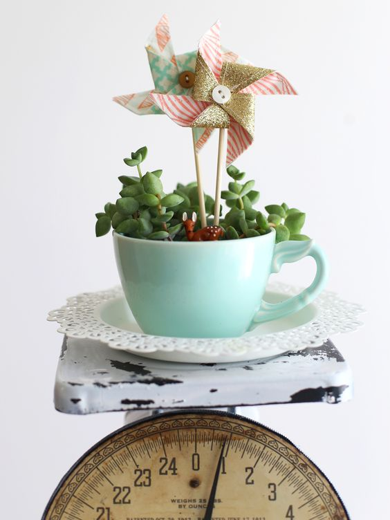 vintage scale makeover - Be Crafty: