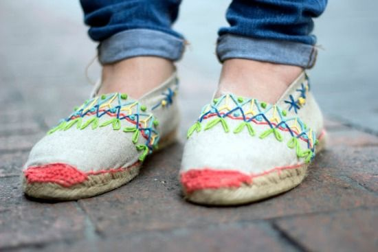embroidered shoes by lanusa via blog holamama