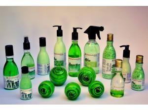 Somos o Armazém Via Goyaz Cosméticos, uma empresa nacional dedicada a tornar seu banho um momento único e relaxante. Nossos produtos são feitos artesanalmente, com extrat