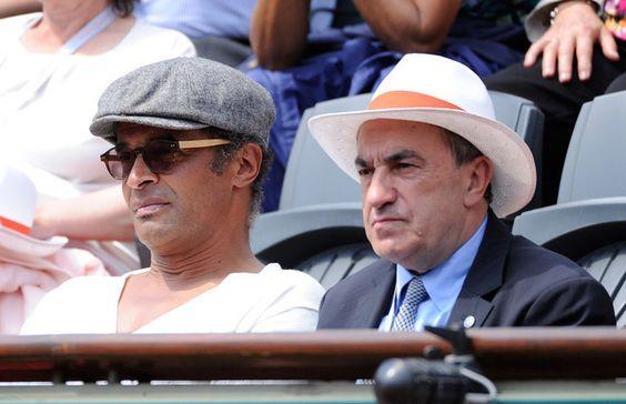Yannick Noah est aux côtés de Jean Gachassin sous le soleil de Roland-Garros.