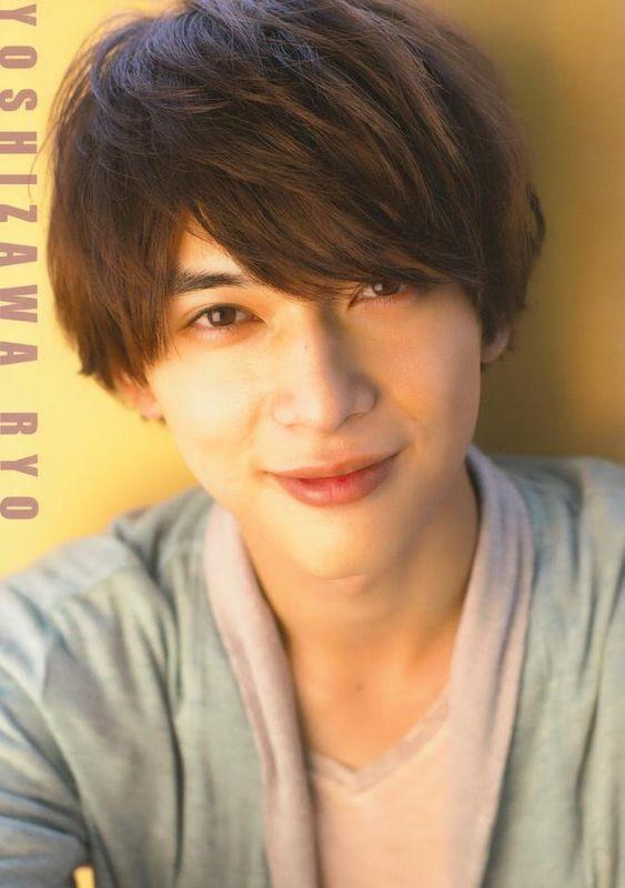 癒し系な笑顔がすてきな吉沢亮の高画質画像