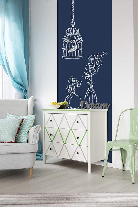 Mit Wanders hast Du die Gelegenheit, aus einer langweiligen Wand, spielend leicht einen beeindruckenden Eye-Catcher zu gestalten: ein kreatives Wanddesign für jedes Zimmer. Du brauchst weder handwerklich begabt noch besonders kreativ zu sein, einfach nur sorglos, denn einfacher geht es nicht! Wenn Du z. B. nach Tafelfarbe blau suchst und dir besonders hochwertige und ungiftige Inhaltsstoffe, eine beschreibbare und abriebfeste, sowie feucht abwischbare Oberfläche... *Pin enthält Werbelinks