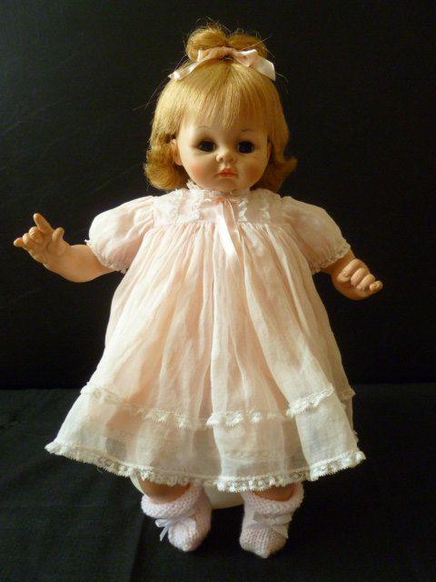 Vintage Madame Alexander Pussycat Doll 1965 Shelves