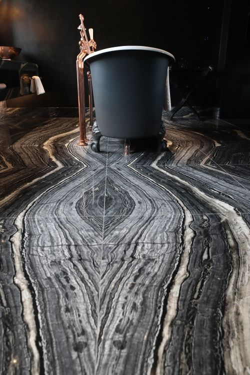 Bookmatched Black Wave Silver Wave Marble Floor Idee