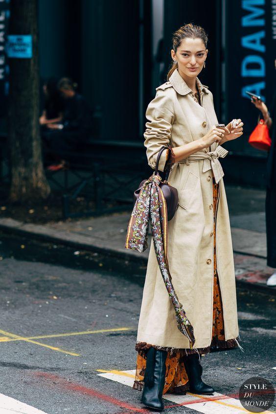 New York SS 2019 Street Style: Sofia Sanchez de Betak #moda #modafeminina #modamulher #modaderua #estilo #tendencia #tendência #estiloderua #lookdodia #GostoDisto #blogueria #blogueirademoda #blogdemoda #trenchcoats #modainverno