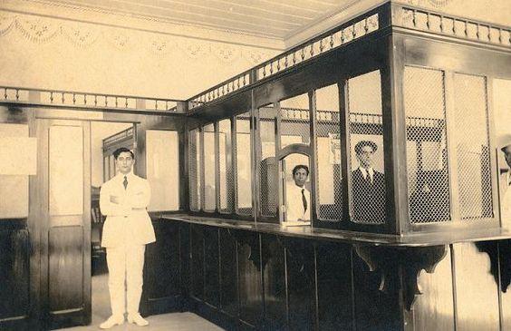 Funcionários de agência bancária, em Minas Gerais