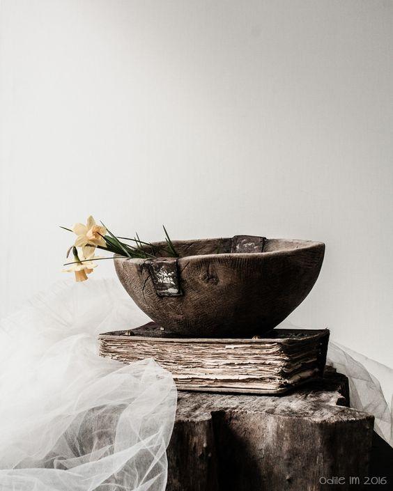 Le bol, le livre et les jonquilles... | odile lm