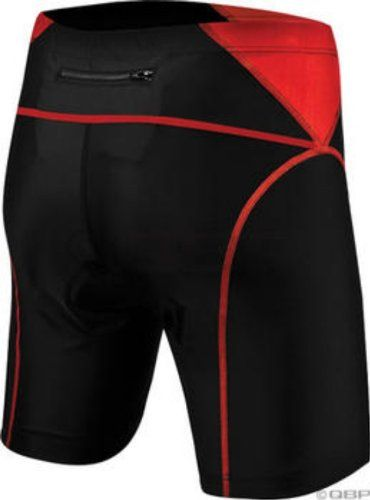 TYR Tri Shorts feature a QuickWik antimicrobial pad to help reduce water absorption.  Additional panels in rear of short lessen muscle movement, increase muscl...