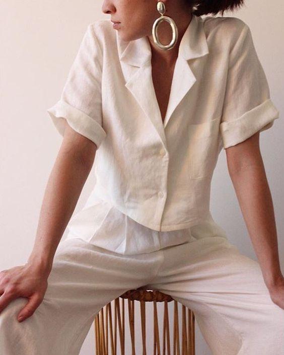 White one white linen via @avenuetucson