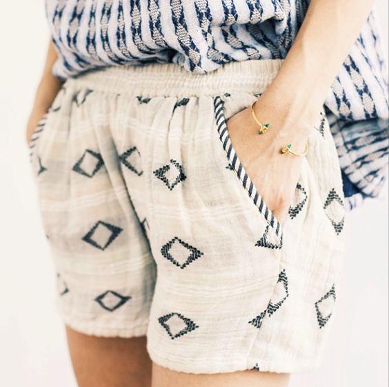 corte de roupa + pulseira