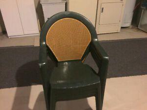 4 Patio Chairs 4 Chaisses De Patio Meuble Jardin Montreal Ville Et Meuble
