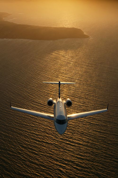 Challenger 300 (by Bombardier Aerospace)