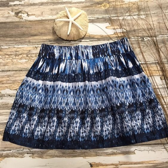 """⚓️ B-Wear Byer California Ikat Tribal Skirt 9 B-Wear Byer California Skirt. Size 9.  Abstract Ikat Tribal Print. Blue & White Color Palate.  Side Zipper Close. Lined.  Belt Loops on Waist.  Length 17.5"""".  100% Cotton.  Lining is a Cotton Blend.  Excellent Condition. Byer California  Skirts"""