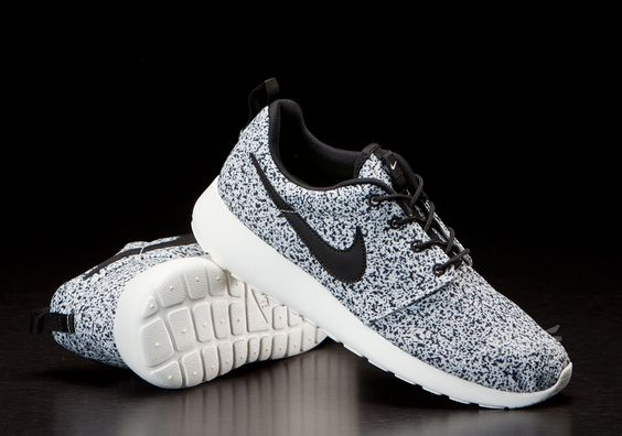 women roshe run in black/sail (us size 6) | My Style | Pinterest ...