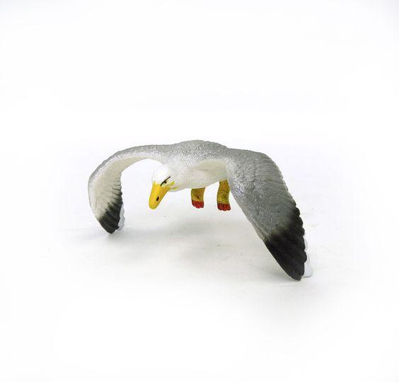 Sea Gull in Flight by Schleich