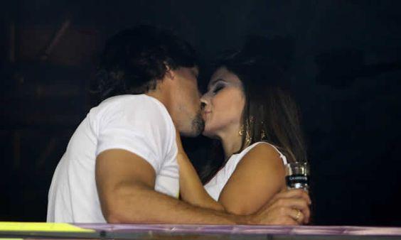Paula Fernandes beija muito no carnaval de Salvador