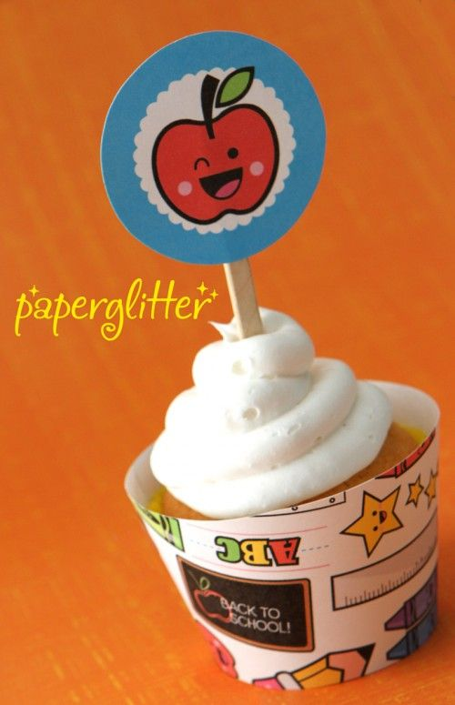 Back to School Free Printable Cupcake Topper and Wrapper by Paper Glitter. #freeprintables