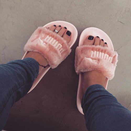 Guita Moda: 10 looks para você usar com chinelo slide
