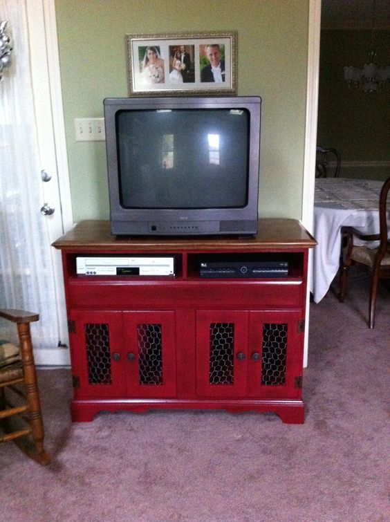 1980s golden oak hutch turned into a TV stand.