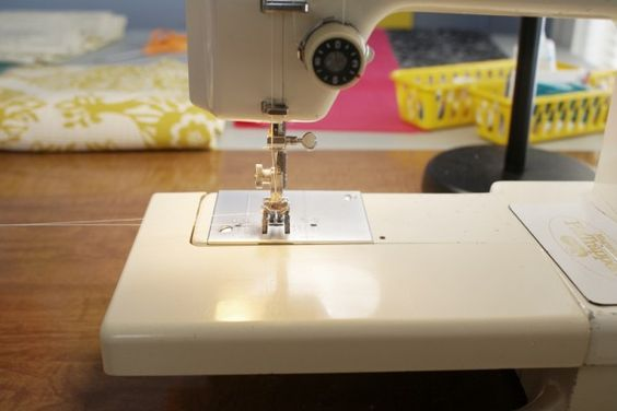 how to sew a zipped pouch