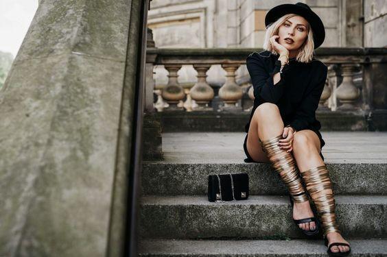 Fashion Blog From Germany / Modeblog aus Deutschland. LBD+black hat+black shoulder bag+long sandals. Summer outfit 2016