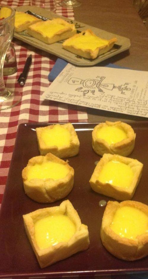 Hai mai pensato di fare delle mini crostate? clicca il link http://www.uovalago.it/blog/item/155-crostata-al-limone.html