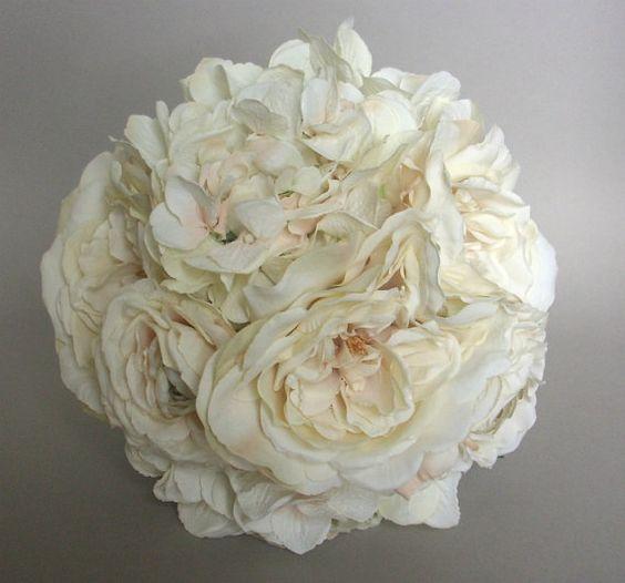 Ivory hydrangea, rose, ranunculus and peony bouquet.