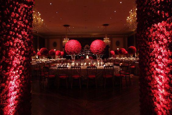 ► Decoraciones se hacen de rosas. #boda #rosa
