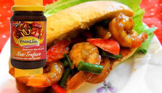 Surinaams eten – Broodje ketjap knoflook garnalen met mixgroenten