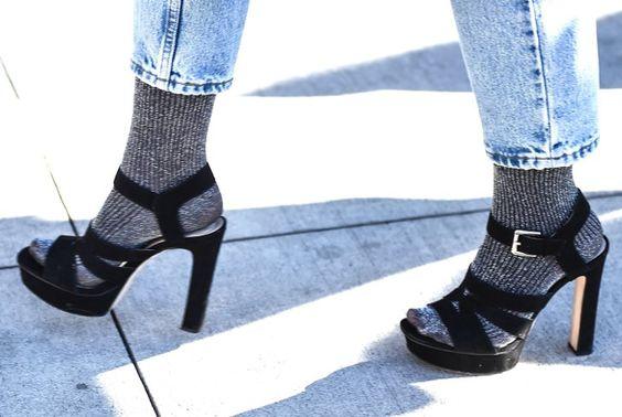 Pin for Later: OMG! Die Schuhe und Taschen auf den Straßen New Yorks Street Style: Taschen und Schuhe bei der New York Fashion Week