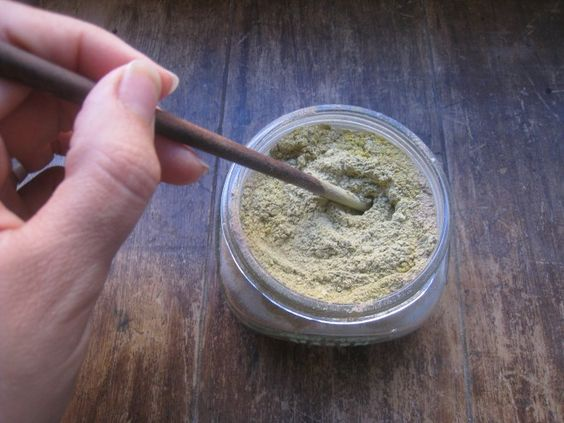 Herbal Healing Clay {Cuts, Scrapes, and Pimples}