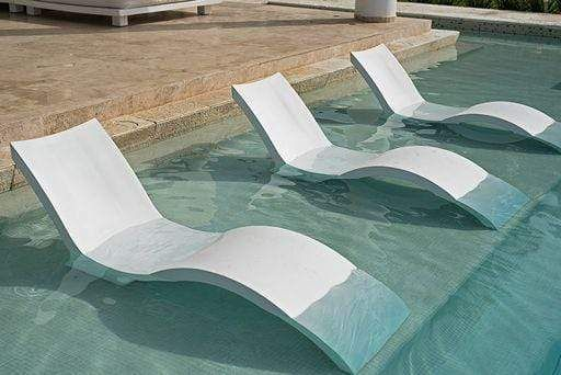 Tanning Ledge Pool Lounger Boxhill, Pool Chaise Lounge Chairs In Water