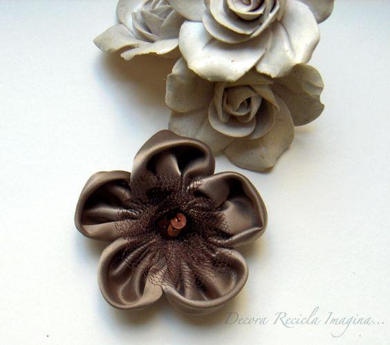 Decora Recicla Imagina …: Tutorial: Flores de Tela