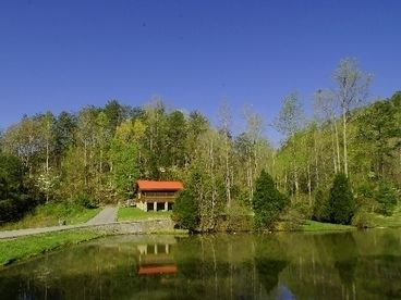 Romantic cabin on fishing pond king bed double fireplace for Private fishing ponds near me