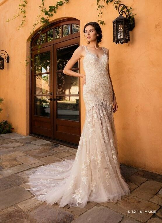 Evelyn Bridal Wedding Dress Size 12 In 2020 Size 12 Wedding Dress Wedding Dress Sizes Bridal Wedding Dresses